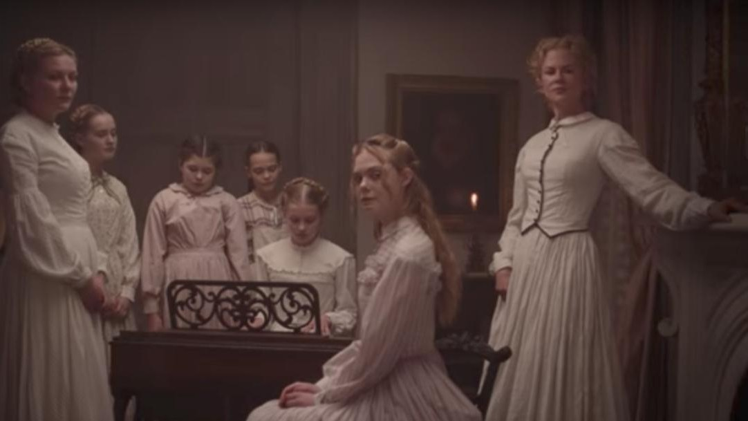 kirsten dunst, elle fanning and sofia coppola made a 1860s girls gone wild parody video