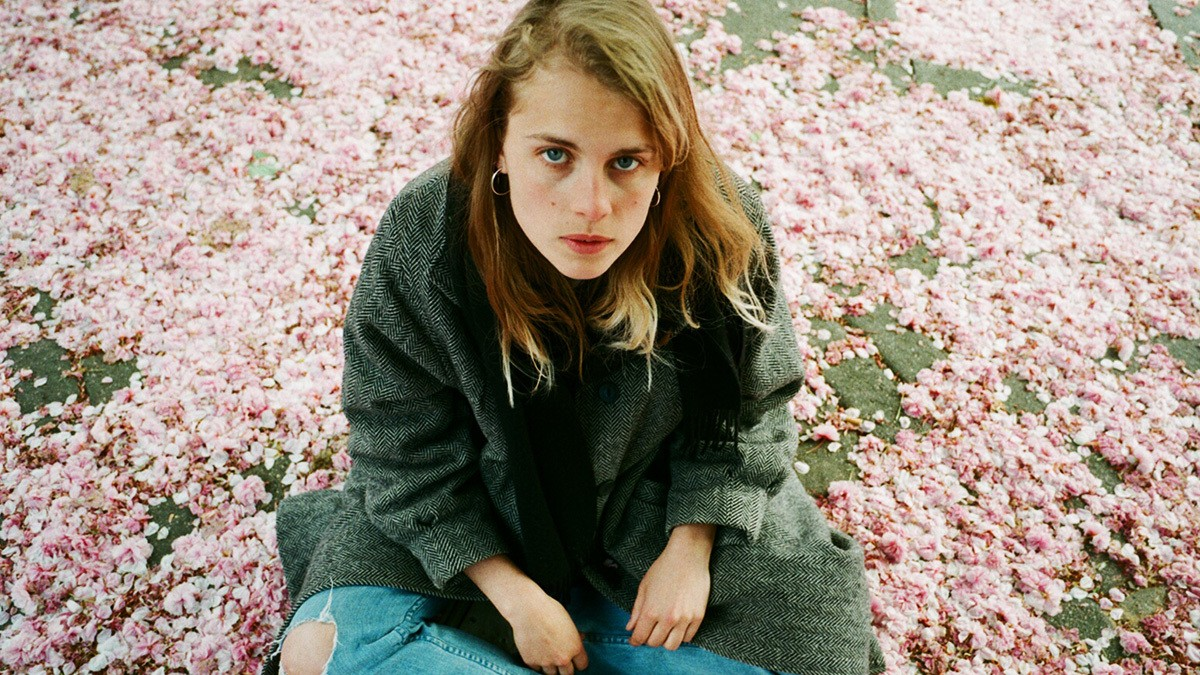 exploring the flip-flop feelings of love with marika hackman
