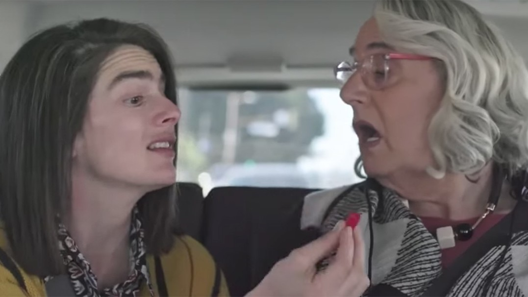 the transparent siblings go to sex addict therapy in new season trailer