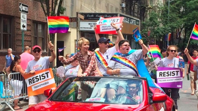 chelsea manning was luminous in her first pride march as a free woman