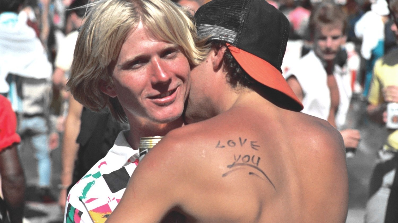 Dieser fotograf hat in den 80ern und 90ern die bunte welt der gay prides in den usa dokumentiert 1499872402.jpg?crop=1xw:0