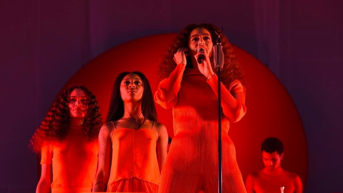 solange broke out of the hospital to perform in london