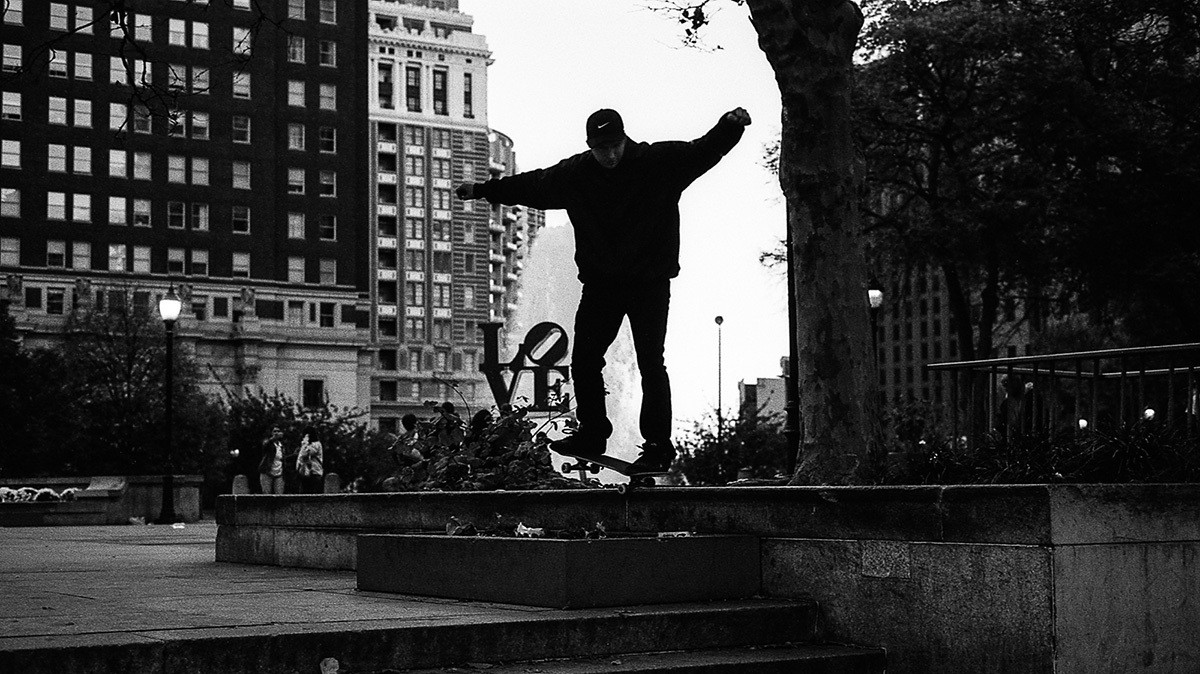 these photos are a love letter to the heroic skaters of love park